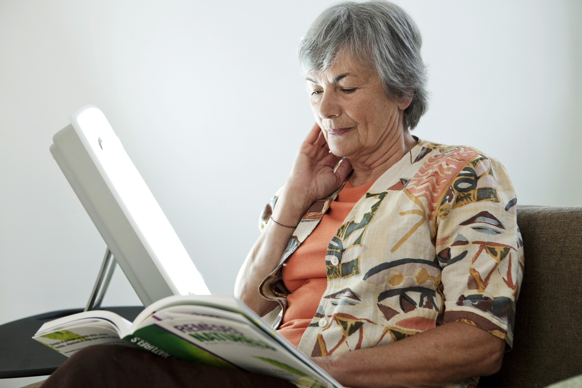 ELDERLY PERSON LIGHT THERAPY
